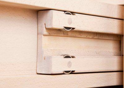 … auch die Vollauszüge aus Holz sind.